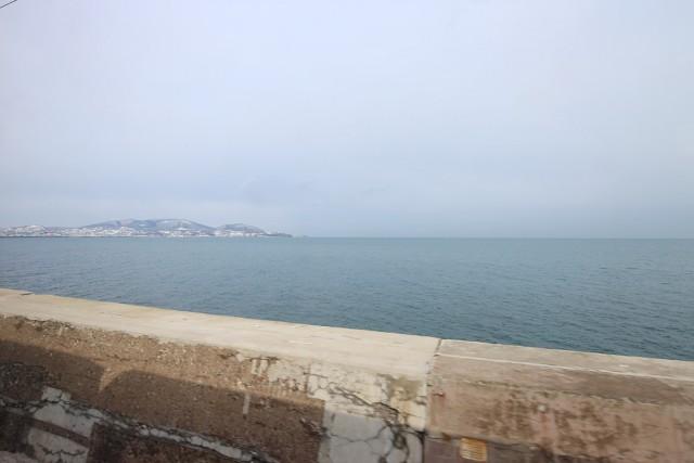 車窓から眺めるオホーツク海