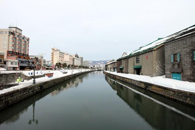 爽やかな朝の小樽運河