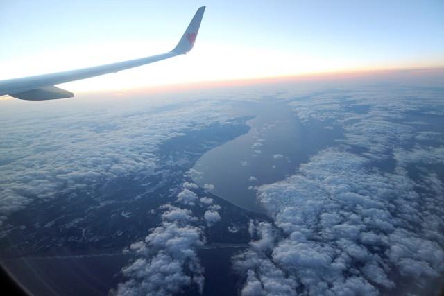 いよいよ茨城空港へ。下北半島が見えます