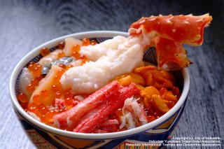 海鮮丼(カニ付き)