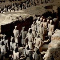 秦の始皇帝陵と兵馬俑坑(へいばようこう)